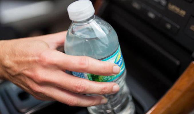 Pet şişeyi sakın arabada böyle bırakmayın!