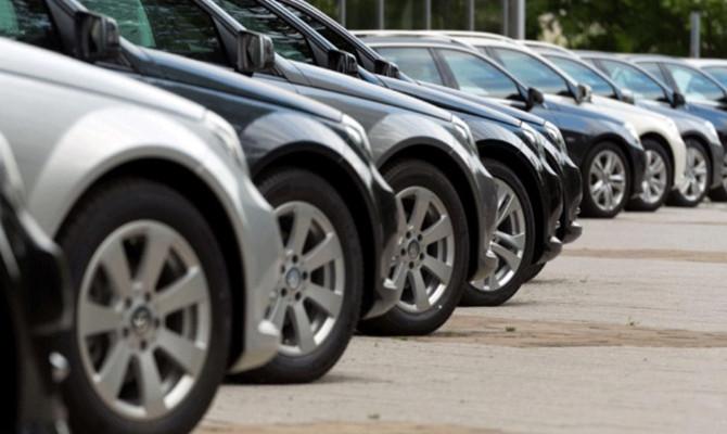 Rus otomobil üreticileri Türkiye ile ticarette doları bırakıyor