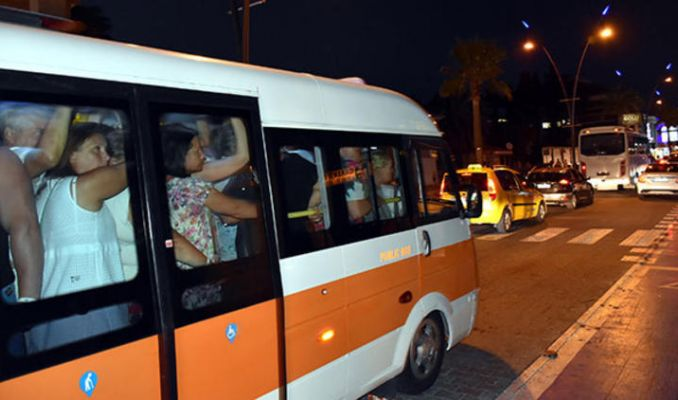 Bu minibüsten tam 29 yolcu çıktı