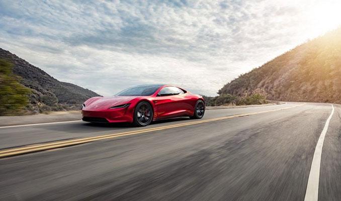 Tesla yeni Roadster'ın fotoğraflarını yayınladı