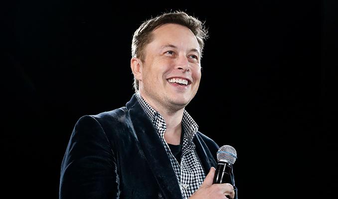 Elon Musk'tan uçan otomobil açıklaması: Şaka yapmıyorum