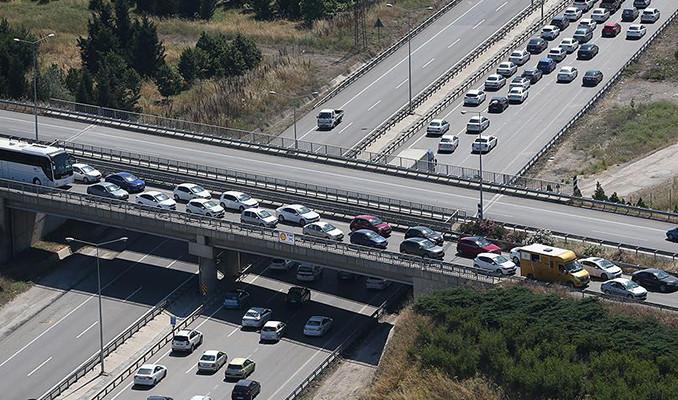 Trafikteki taşıt sayısı 631 bin 293 arttı