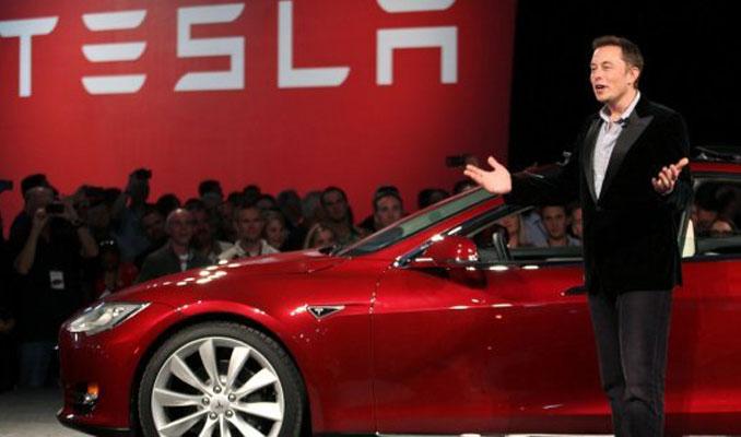 Tesla hisseleri ilk kez 300 dolar sınırını aştı