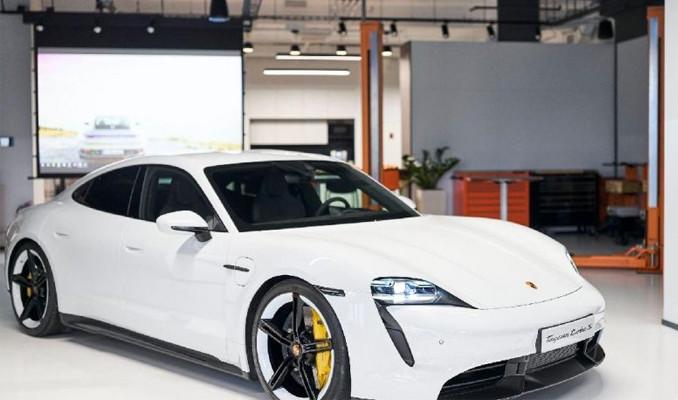 Türk isimli Porsche'ye Türklerden yoğun ilgi