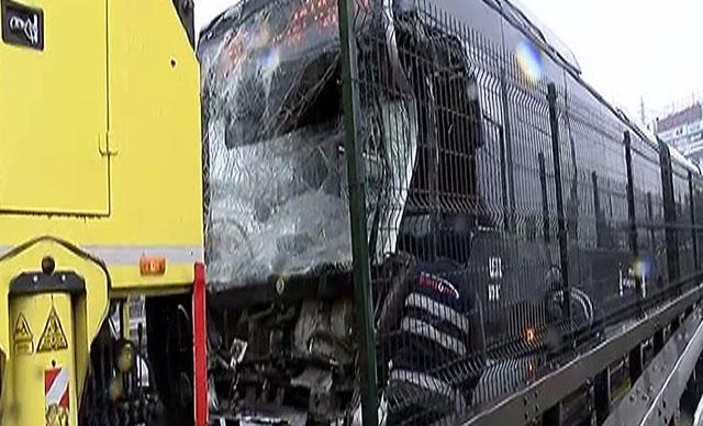 Metrobüsler çarpıştı: Yaralılar var
