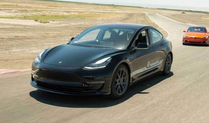 Ucuz Tesla Model 3 geliyor!