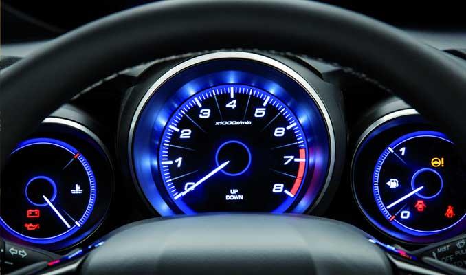 AB'den otomobillere zorunlu hız sınırlaması
