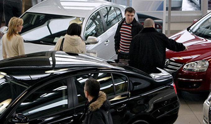 Rusya'da otomobil satışları 2 yıl sonra düştü