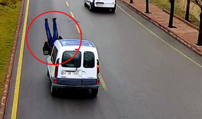 Ticari aracın yayaya çarpması güvenlik kamerasında!