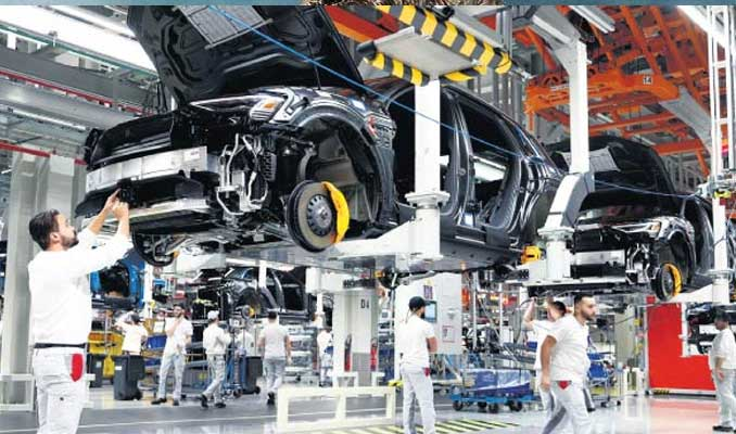 Otomobil üretimine kaykay modeli