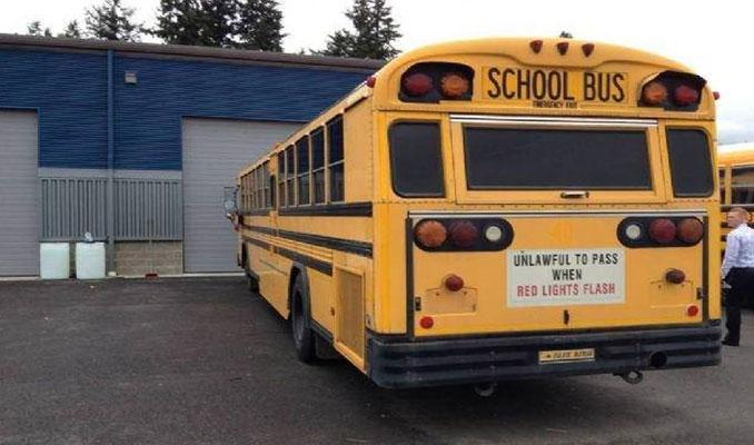 2800 dolara aldıkları hurdalık otobüsü yeni baştan yaptılar