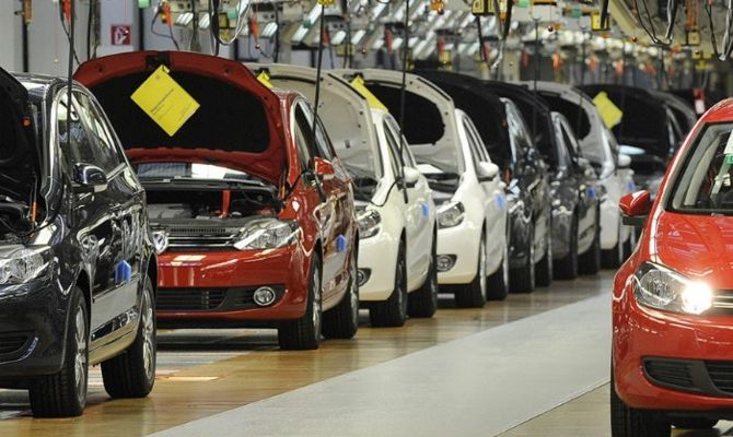 Otomotivde üretim yüzde 13, ihracat yüzde 8 azaldı