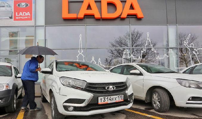Rus otomotivine vergi darbesi: Satışlar 2 yılın dibinde