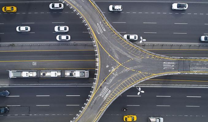 Hareket halindeki otomobile internet