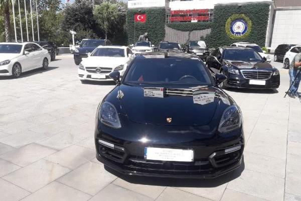 İstanbul'da 40 milyon liralık kaçak lüks araç operasyonu