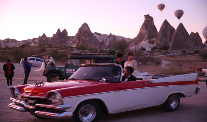 Kapadokya'da yeni aktivite: Klasik otomobil turu