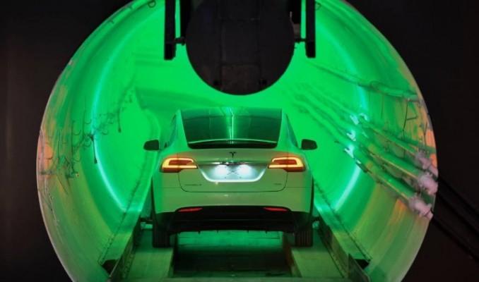 Musk ilk ticari karayolunu ne zaman hizmete sunacak?