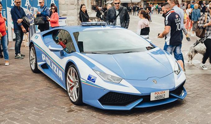 İtalyan Polisi, bir organ nakli için Lamborghini Huracan ile böbrek taşıdı