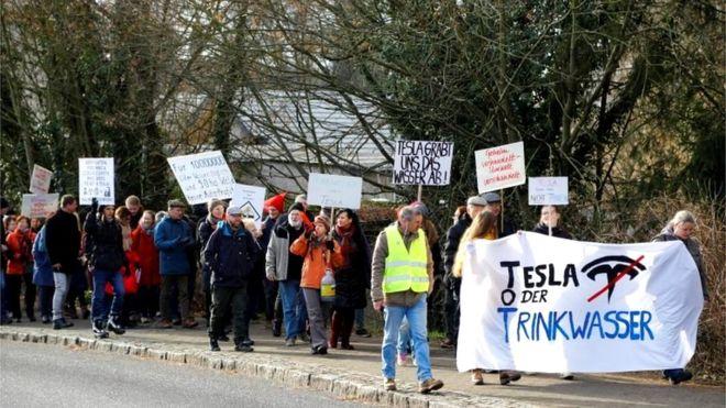 Tesla'nın Almanya'daki fabrikasına yargı engeli