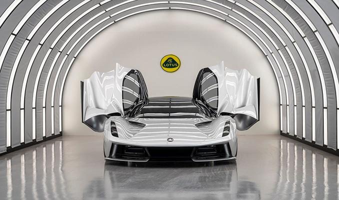 2.2 milyon dolarlık elektrikli otomobil piyasaya çıkmadan tükendi
