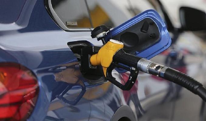 Benzinin litre fiyatına 7 kuruş zam yapıldı