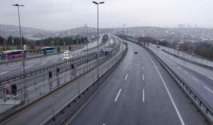 İstanbul'da tarihi görüntü: Trafik yoğunluğu yüzde 1