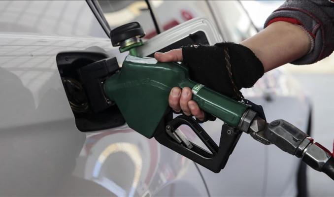 Benzine 7 kuruş zam yapıldı