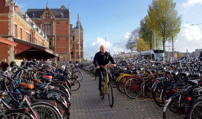 Bisikletlerin üzerine kapı açılmasını engelleyen akıllı teknoloji