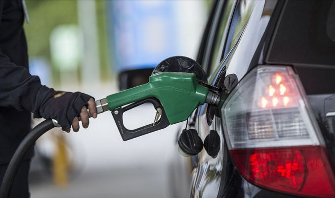 Benzine 8 kuruş zam, LPG'de indirim