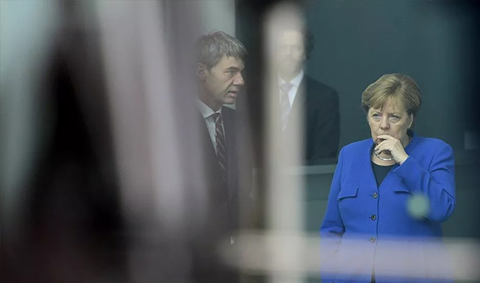 Alman otomobil üreticileri krizi Merkel ile telefonda görüştüler