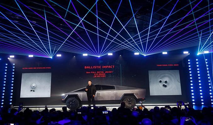 Elon Musk'tan Cybertruck iddiası: Suda yüzebilir