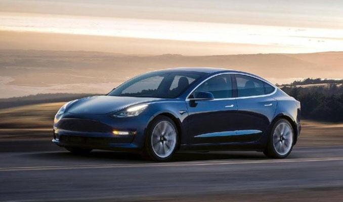Tesla, araç içinde çocukların unutulmasını engelleyecek