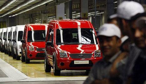 Ford Otosan, 3 fabrikada üretime ara veriyor
