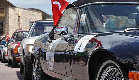 Klasik otomobiller Soma için yollarda