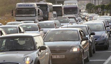 Seçim dönüşü trafiği kilitledi