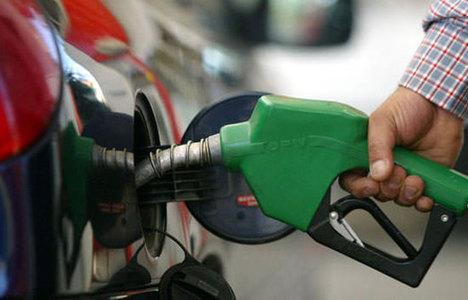 Benzinin litresi 7 kuruş ucuzladı