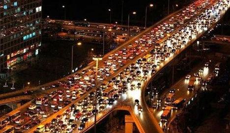 İstanbul trafiği ömür törpüsü
