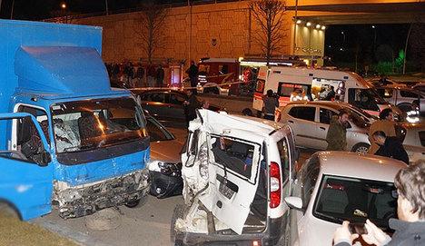 Ankara'da 13 araç birbirine girdi