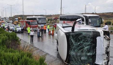 İzmir'de büyük kaza: 46 yaralı