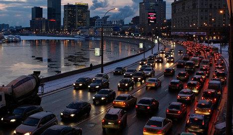 Rus otomotiv üreticilerini korku sardı