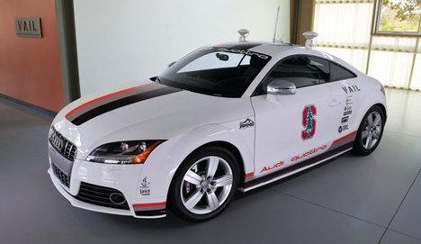 Sürücüsüz otomobil, ilk defa 200 km hıza ulaştı