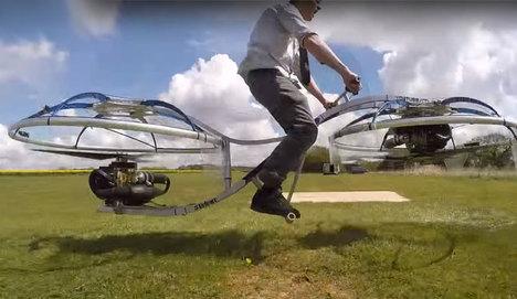 Çılgın mucidin ev yapımı uçan bisikleti!