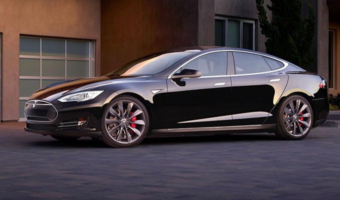 Tesla'dan menzil rekoru
