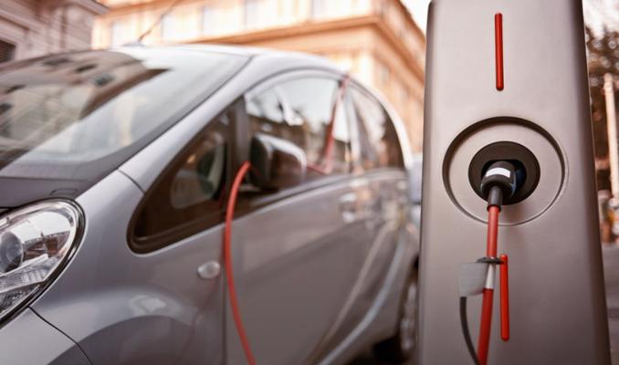 Suudi Arabistan elektrikli araba işine girdi