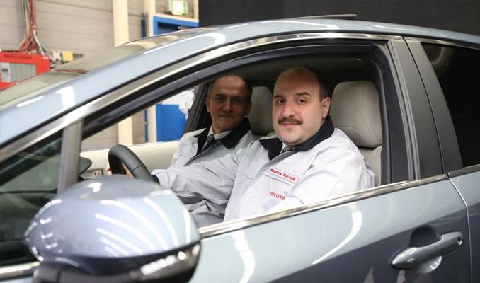 Türkiye'de üretilecek o otomobili bakan Varank test etti