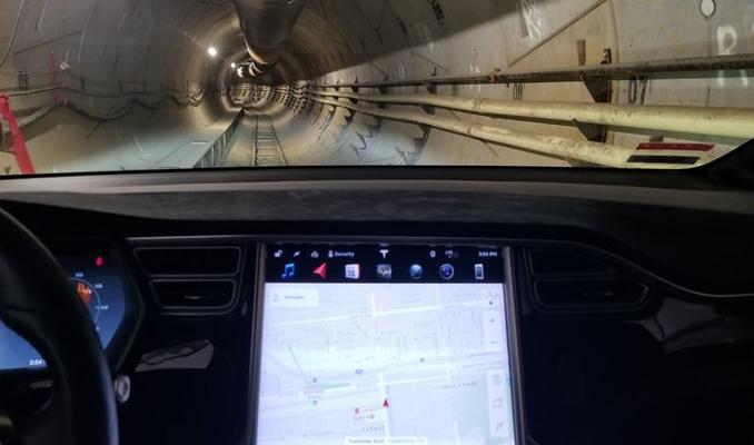 Çılgın mucit Elon Musk 'otonomlar' için ilk tünelini açtı
