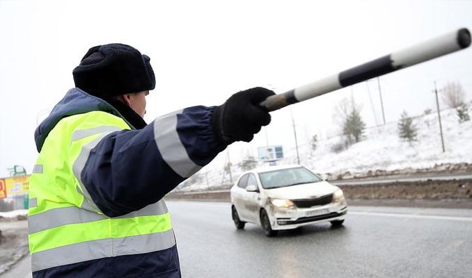 Yabancı ehliyetlerle araba kullanma yasaklanıyor
