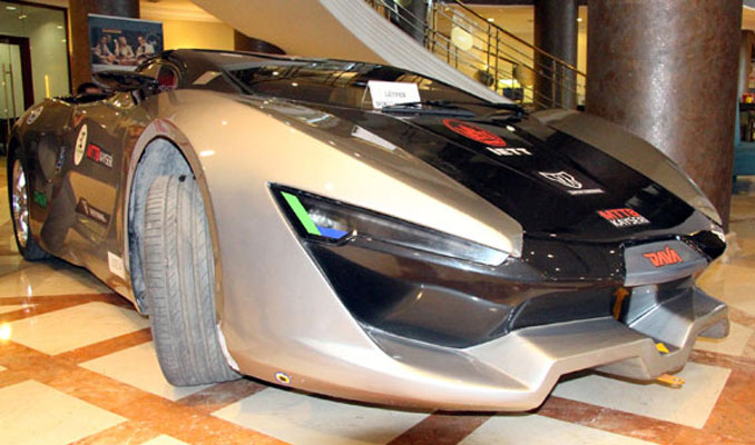 Üniversitelilerin yaptığı elektrikli otomobil 'Dava'