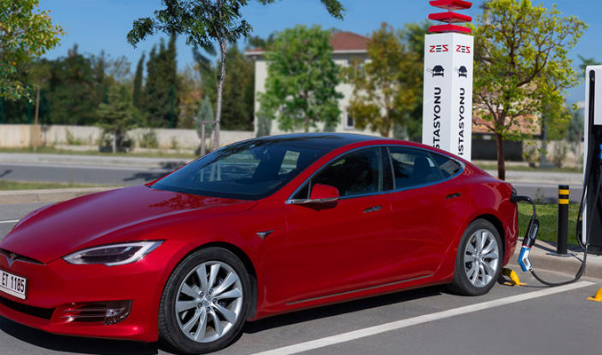 Elektrikli araçlara ücretsiz şarj imkanı
