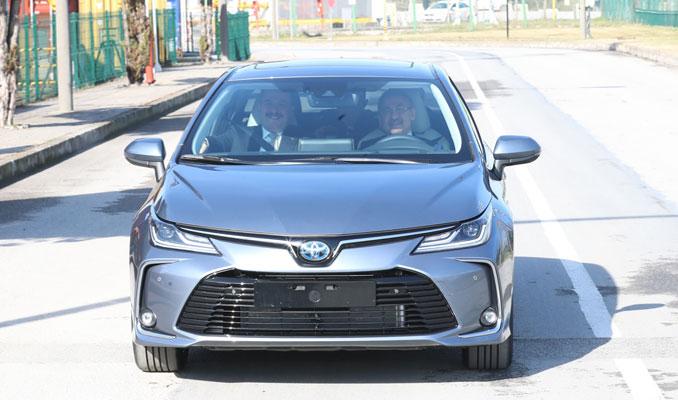 Fuat Oktay yeni Toyota'nın direksiyonunda